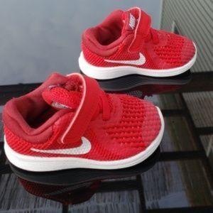 Nike Shoes - Infant Nike Revolution 4  w/ original box